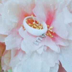Anello Ceramica con Lettera Pendente